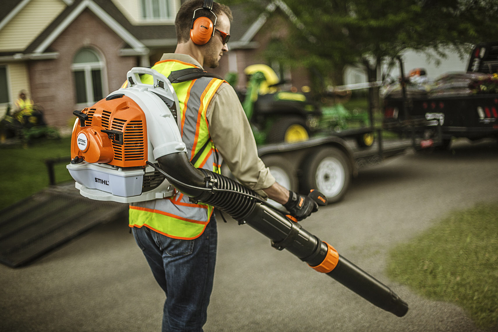 STIHL Bachpack Blower BR450 | John Fedele Product Photography
