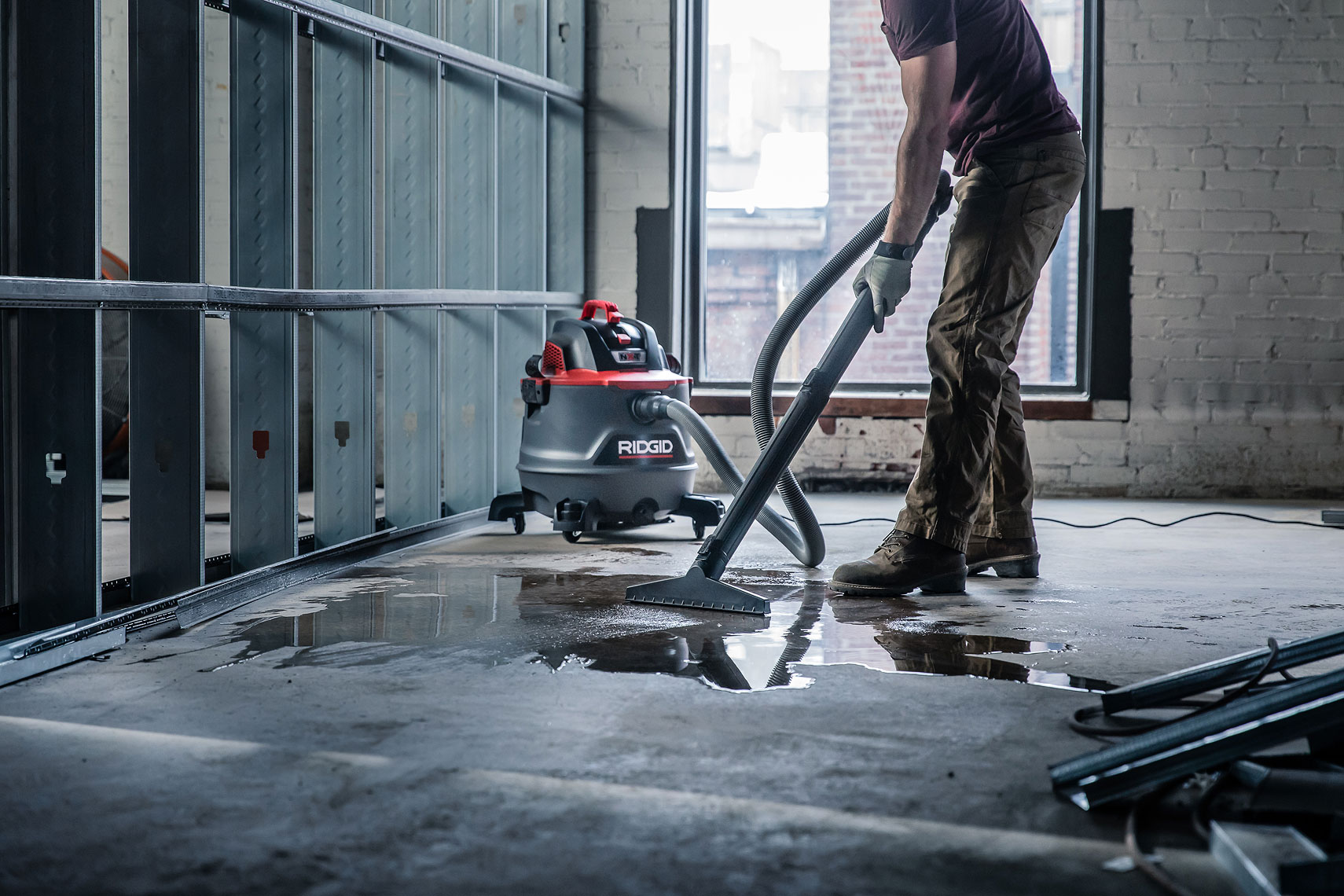 RIDGID RED RT1400M Wet/Dry Vacuum | John Fedele Product Photography