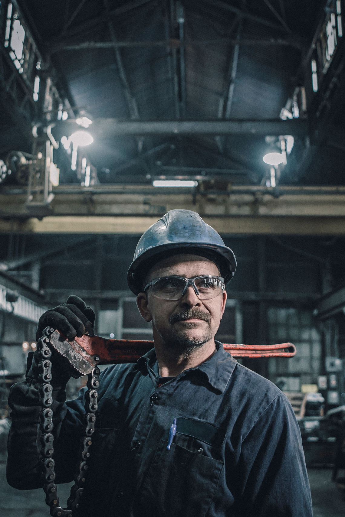 Steel Factory Worker Portrait  | Gamut | John Fedele Industrial Photography