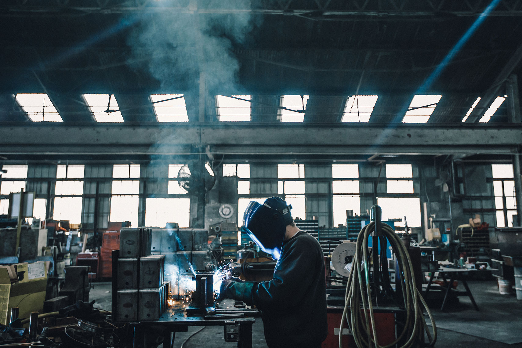 Factory Welder  | Gamut | John Fedele Industrial Photography